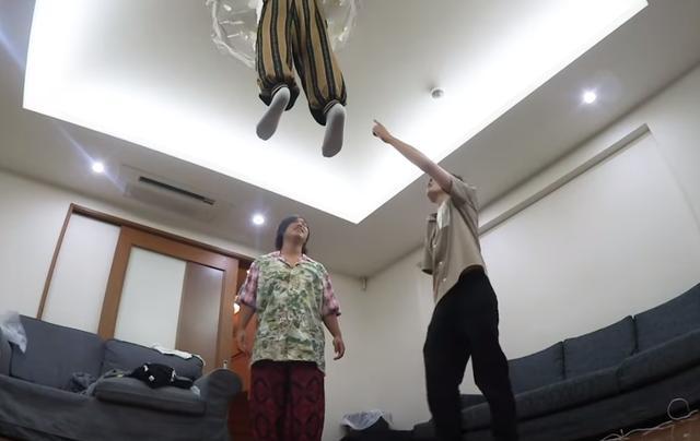 """楼上把天花板撞穿了?网友开启了""""迫害""""模式"""