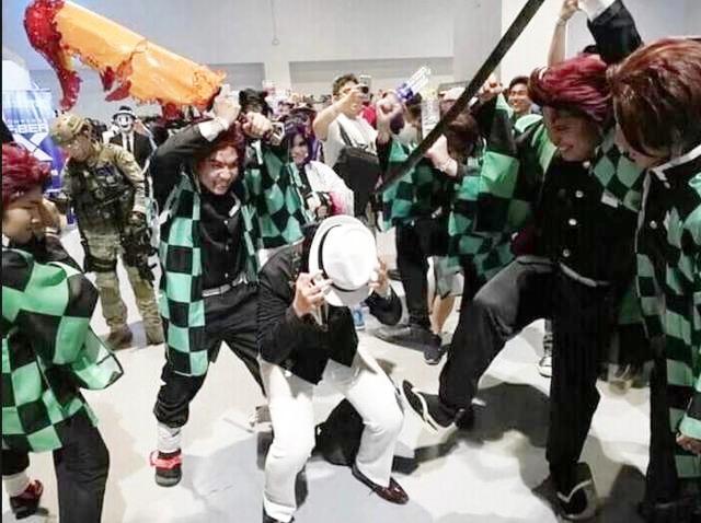 无惨被炭治郎群殴?菲律宾漫展变成了《鬼灭之刃》的聚会