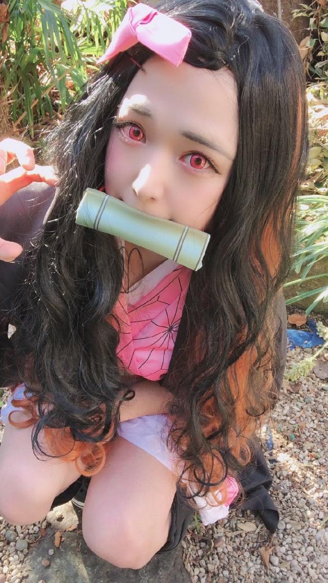 日本人变装成绝美祢豆子,却被扒出是男人扮的