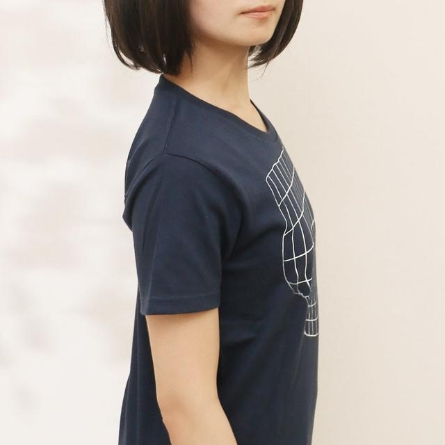 日本推出二次元自欺欺人衫,只有正面才看起来有料,设计鬼才