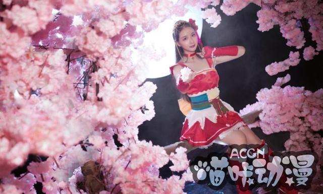 ACG最靓Coser第5期:小乔花好月圆带刺玫瑰,红妆长发甚是惊艳
