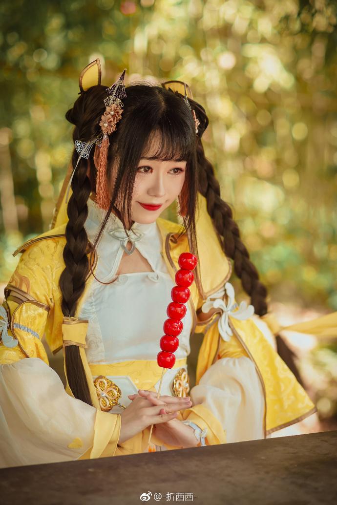 【cos正片】明黄衣衫翩翩《剑网三》藏剑cosplay欣赏