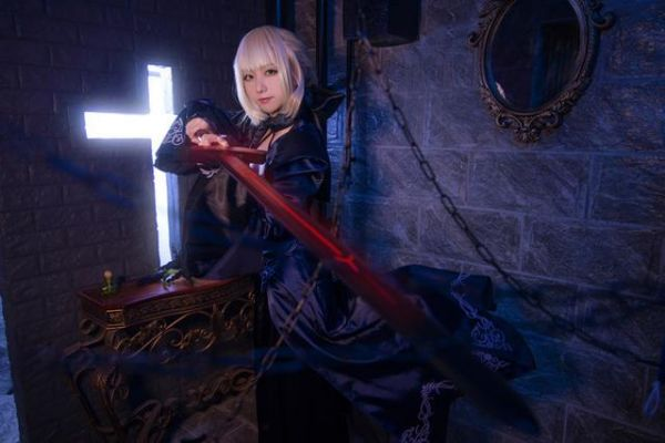 cosplay正片--阿尔托利亚潘德拉贡cos迷神态惟妙惟肖